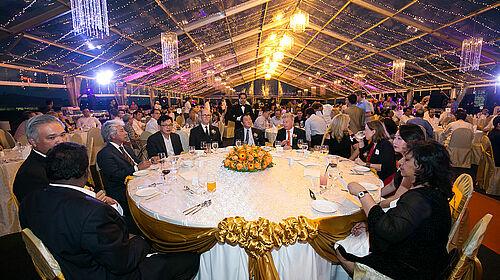 Foto del tavolo d'onore