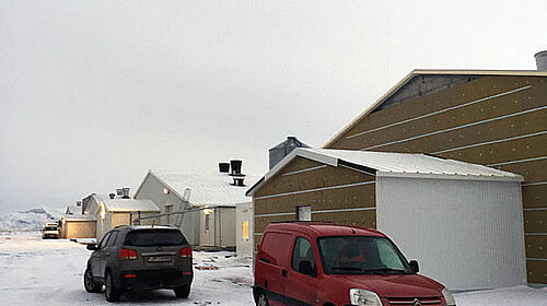 Il nuovo capannone per la produzione dei broiler visto dall'esterno.